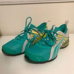 NWOT❗️PUMA Neon Running Shoes